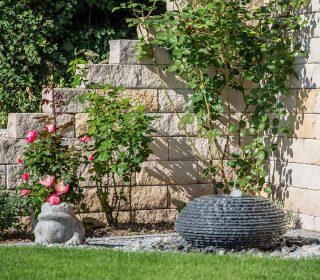 Gartenmauer Mit Wasserspiel Inspirationen Gartengestaltung Gartenmauer Wasserquelle Friedrichs Wasserspiel Garten Steinmauer Garten Garten