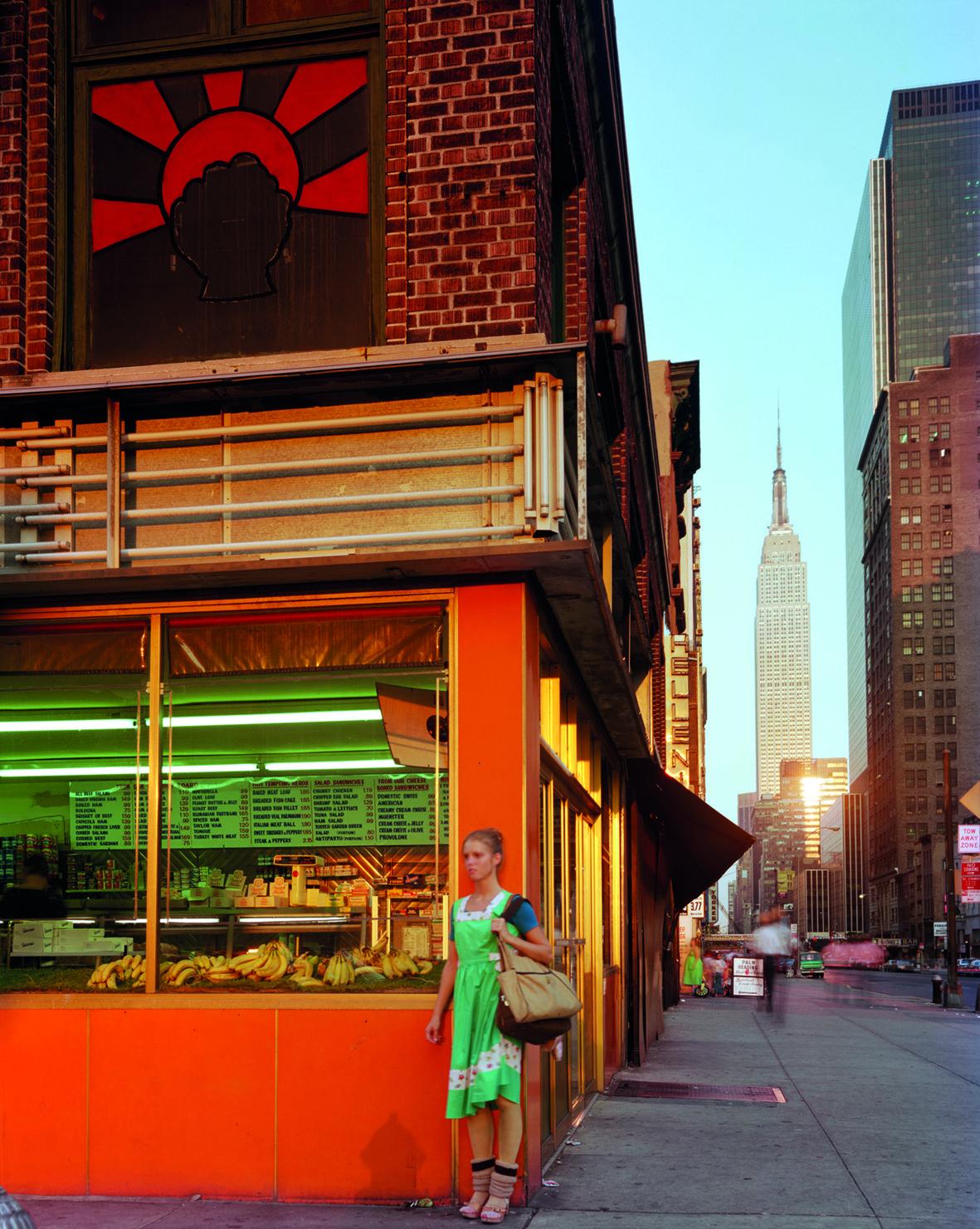 Молодая танцовщица и Эмпайр-стейт-билдинг, Нью-Йорк, 1978. Фотограф Джоэл Мейеровиц