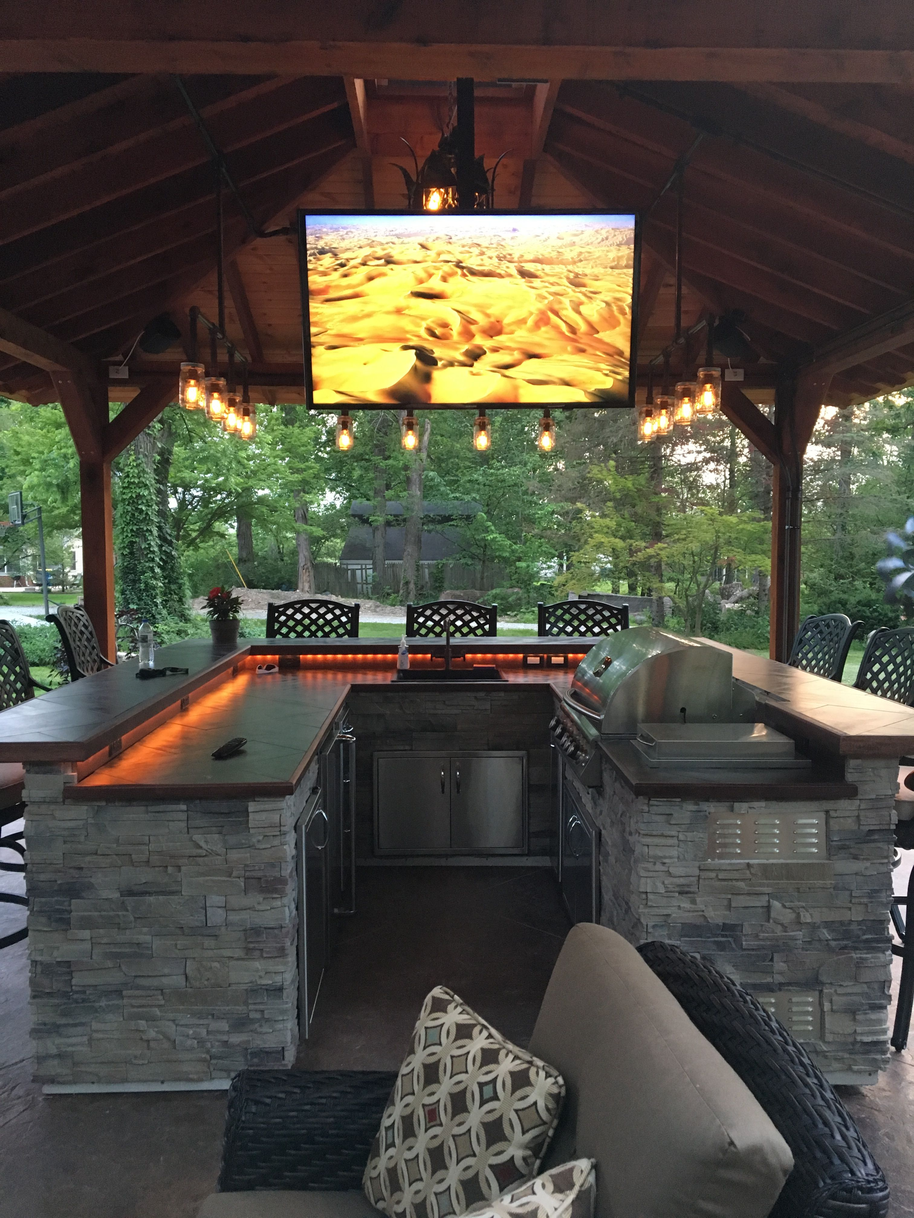 cedar outdoor kitchen patio bar stools iron pipe lights patio rh pinterest com Patio Kitchens Designs wilshire bar kitchen patio