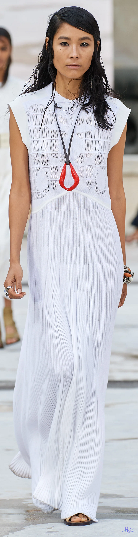 Spring 2021 Rtw Chloe White Dress Summer Fashion White Fashion [ 3000 x 775 Pixel ]