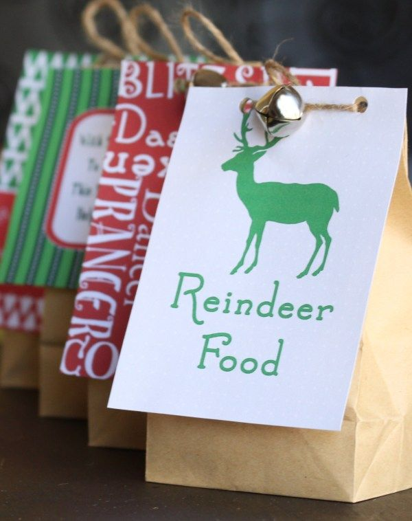 Reindeer food with a free printable christmas pinterest a magic food for santas reindeer on a dark christmas night with special moon dust sprinkle forumfinder Gallery