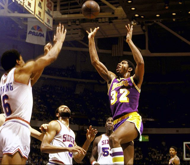 Top Moments: Magic Johnson Becomes Center Of Attention In
