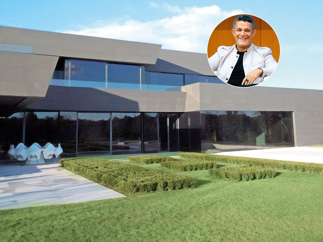 Alejandro Sanz Vende Su Casa A Hazard La Nueva Estrella Del Real Madrid Real Madrid Piscina Interior Alejandro