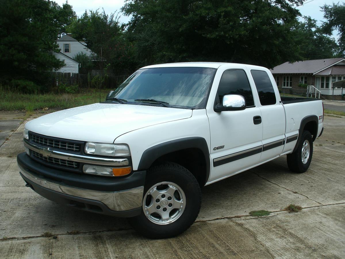 2002 Chevrolet Silverado Z71 Mallard Motors, LLC