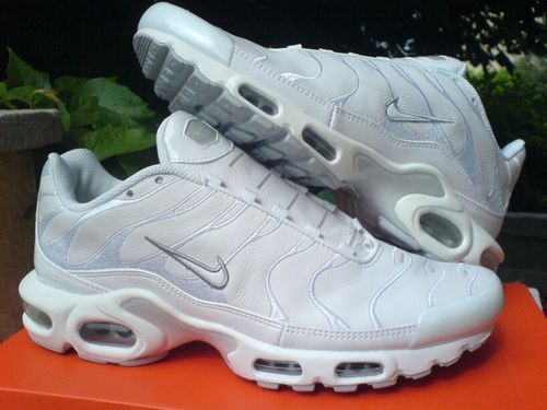 promo code 27fdb 0d933 Image result for nike tns white | Shoes in 2019 | Sneakers ...
