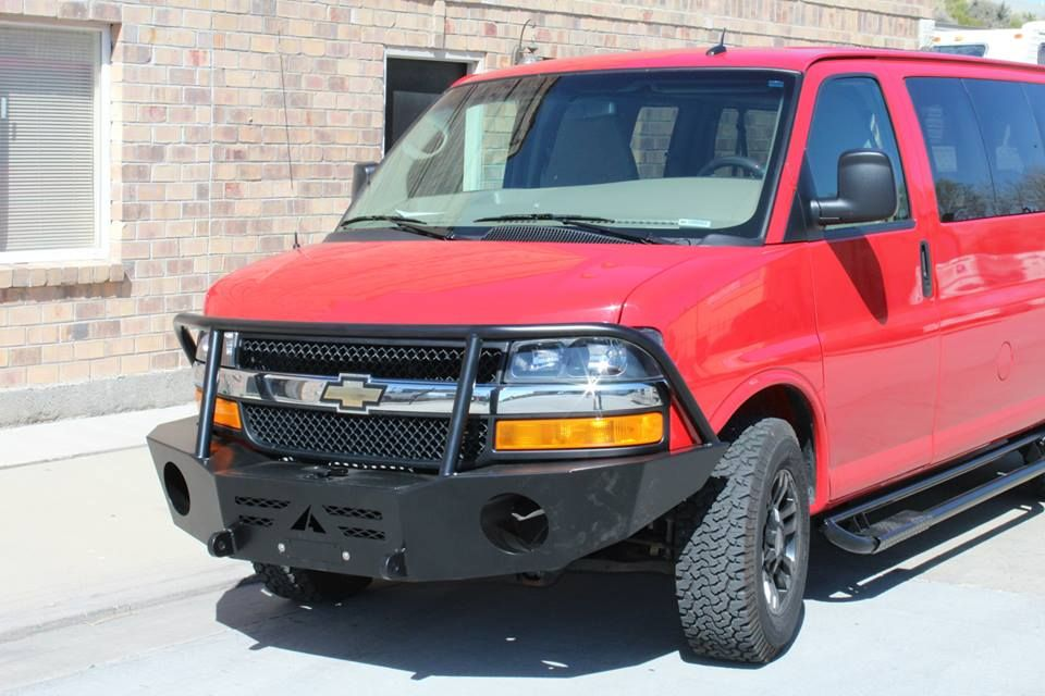 Gm 4x4 Van Stock Height With Aluminess Front Bumper And Sliders 4x4 Van Truck Accesories Chevy Express