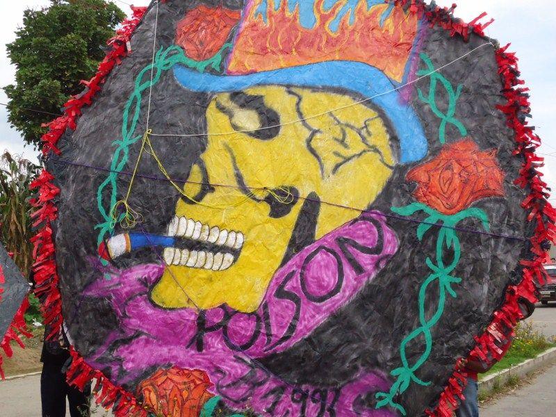 Barriletes de colores para los difuntos el día 1º de noviembre en Patzún