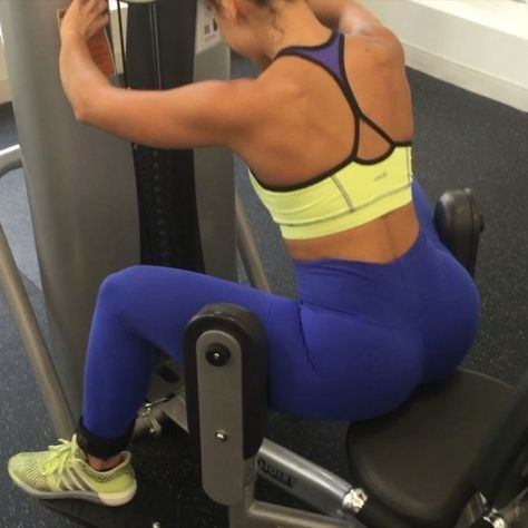 heavy glute day circuit  on the abductor machine sit on