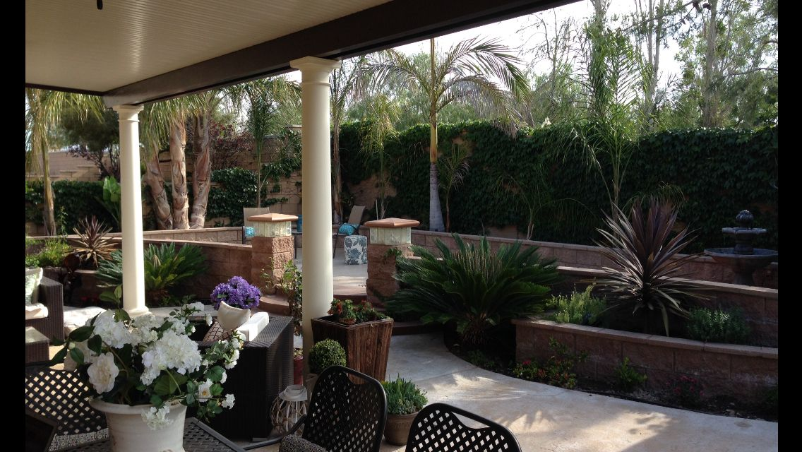 Awesome Column Patio Cover With Queen Palms, King Palms, Sago Palms And Giant Bird  Of