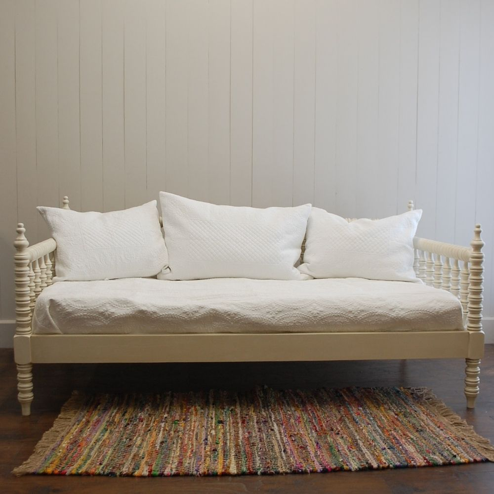 21+ Farmhouse style daybed model