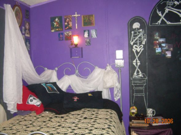 Gothic Teen Girl Bedroom Decoration