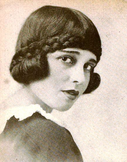 Anita Loos Apr 26 1989 Aug 18 1981 Was An American Screenwriter Playwright And Author Best Kn Gentlemen Prefer Blondes Screenwriting Silent Film Stars
