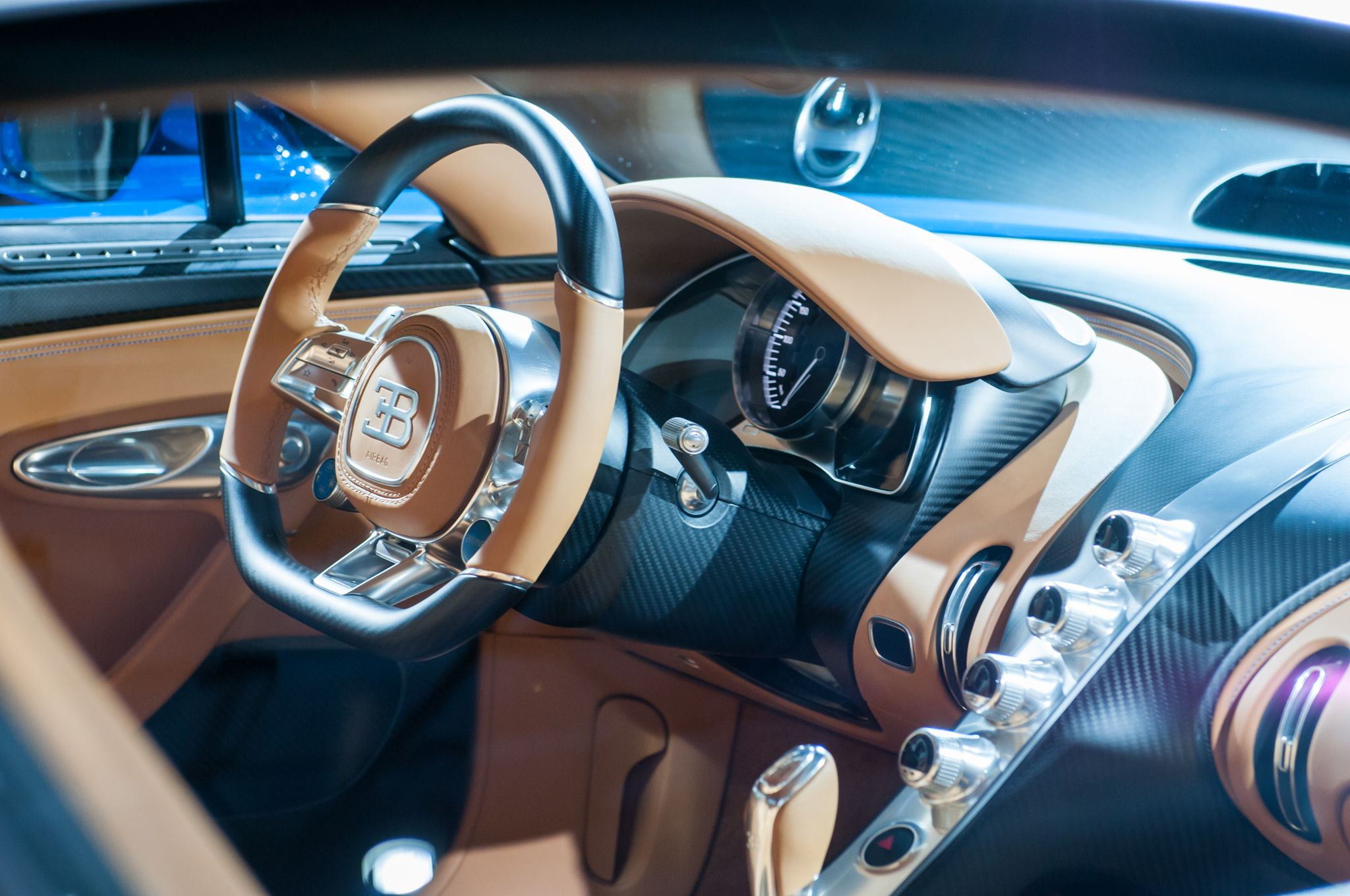 bugatti chiron interior recherche google cars and pick up bugatti bugatti chiron interior. Black Bedroom Furniture Sets. Home Design Ideas