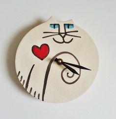 Relógio de parede decoração Cat artesanal coração vermelho preto branco por firecat