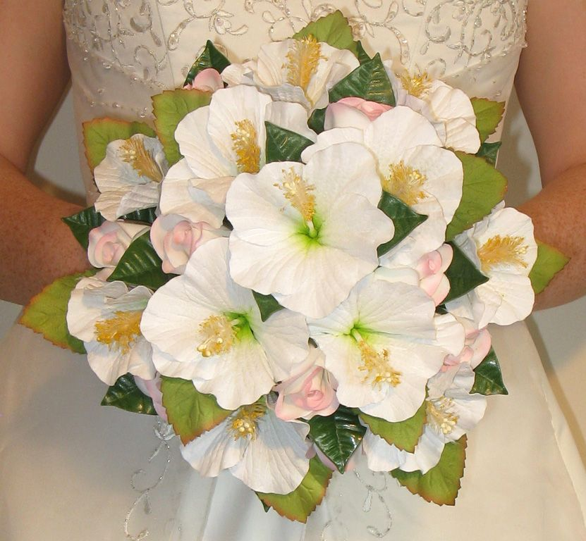 Bridal Bouquets With Hybiscus Rare Find White Hibiscus Bouquet Hibiscus Wedding Wedding Bouquets Wedding Bridal Bouquets