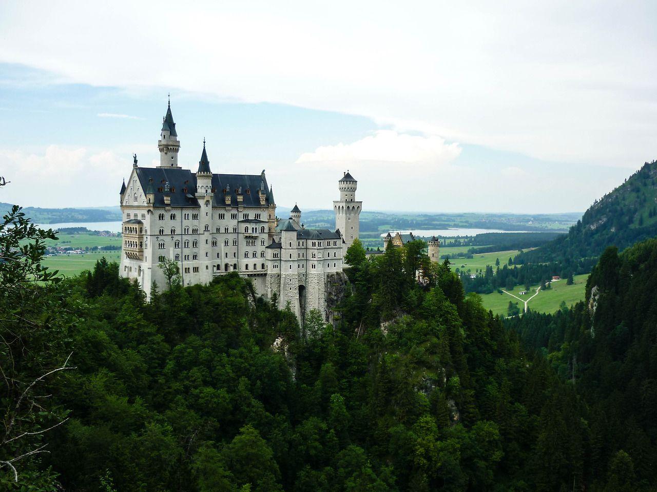 Neuschwanstein Schloss Bavaria Germany Neuschwanstein Castle Castle Bavaria Travel Moments