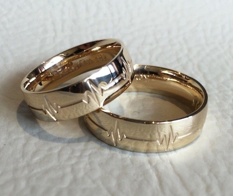 44a3bb49e7244 Par de Alianças Batimento Cardíaco ♥ Casamento e Noivado em Ouro 18K -  Reisman