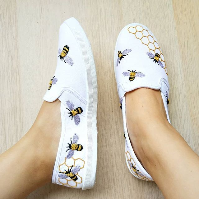 "Cristina on Instagram ""Bee the coolest with this DIY embroidered summer shoes 🐝 Tutorial in @molliemakes issue 95!           embroidery embroiderybyhand…"" is part of Embroidery shoes diy - 880 Likes, 18 Comments  Cristina (@hoopsandexpectations) on Instagram ""Bee the coolest with this DIY embroidered summer shoes 🐝 Tutorial in @molliemakes issue 95!        …"""