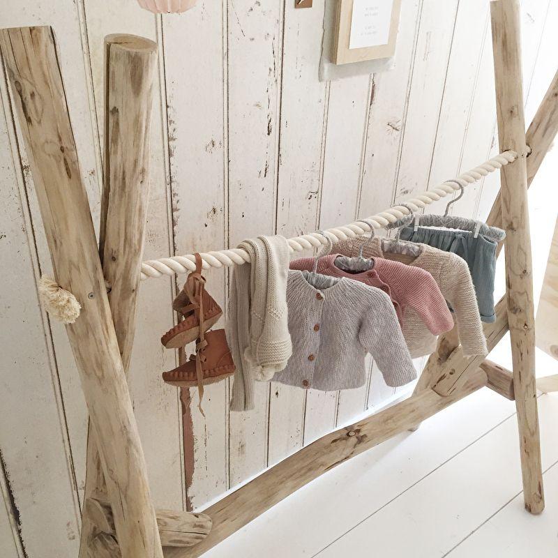 nieuw kledingrek hout boomstammen babykamer kinderkamer baby pinterest kinderzimmer. Black Bedroom Furniture Sets. Home Design Ideas