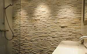 Natuursteen Strips Badkamer : Barroco natuursteenstrips steenstrips glamour gold badkamer met