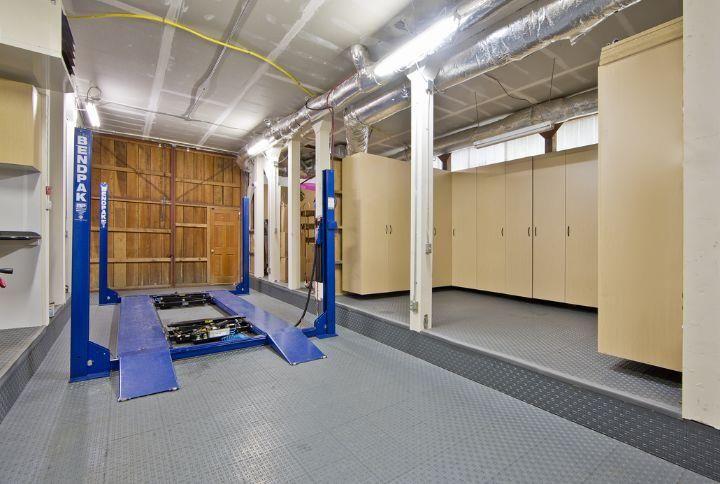 The garage car lift dream log homes pinterest garage for Garage plans with lift