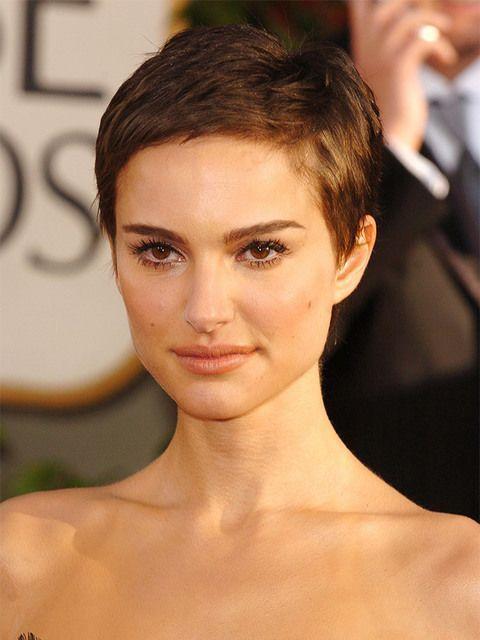Natalie Portman Hair Evolution Shortpixiehaircuts Take A Trip Back In Time Super Short Hair Short Hair Styles Hair Evolution