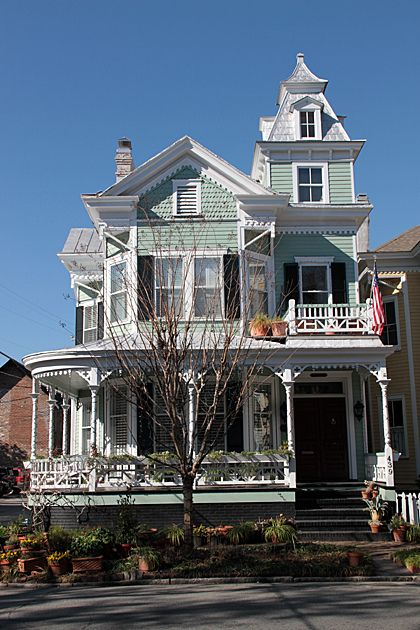 Best Mansard Roof On Tower … Victorian Homes Old Victorian 640 x 480