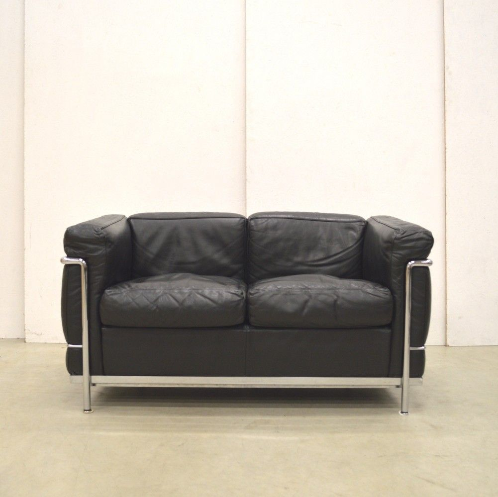 Le Corbusier Sessel Lc2 Lc2 Sofa By Le Corbusier For Cassina 1990s M I D C E N T U R Y