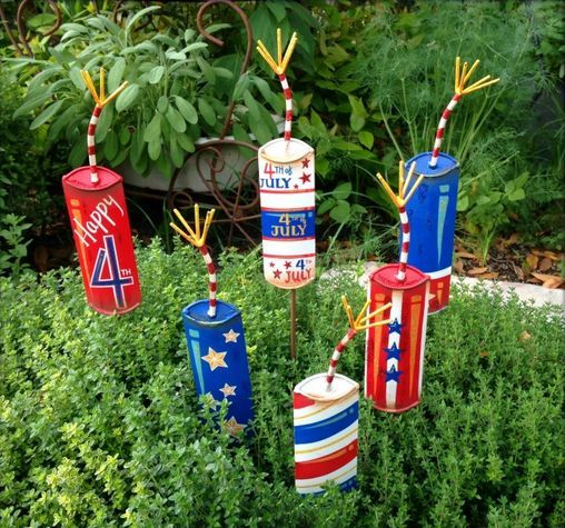 Firecracker Frenzy Metal Yard Stakes