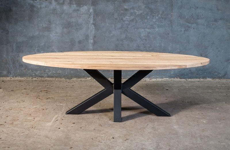 Massieve ovale tafel op maat met design onderstel tafels