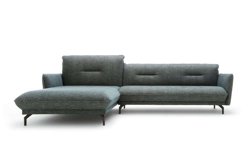 Hülsta Sofa hs430 nach Wunsch mit Recamiere, Polsterbank und Sessel - hülsta möbel wohnzimmer