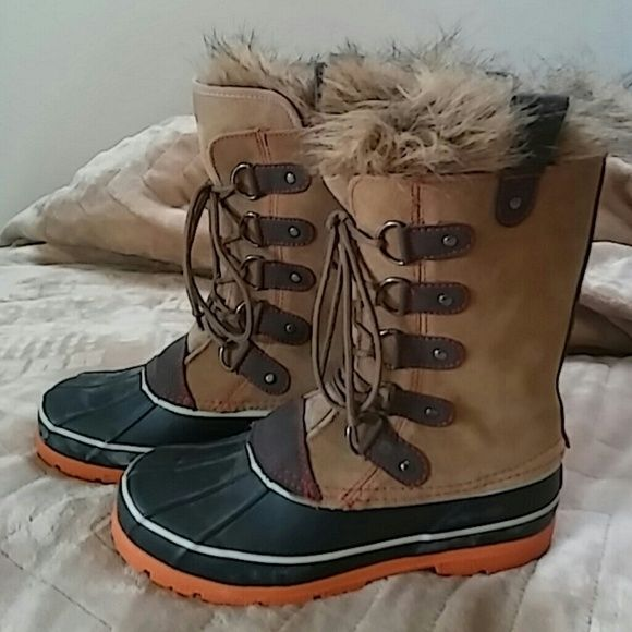 Flash sale!Joan of Arctic STYLE...not Sorell... Excellent condition...wore one time...just do not have a practical use for them...duck boots Arctic Shield Shoes Winter & Rain Boots