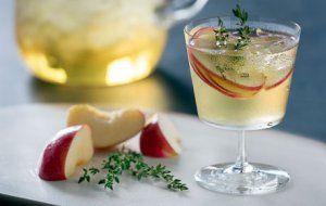 Apple-Wine Cocktail