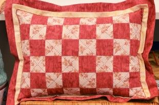 Resultado de imagem para como fazer capa de almofada de patchwork