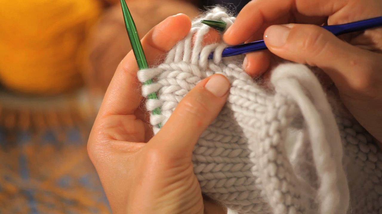 Holy toledo fixing a stitch without frogging entire rows