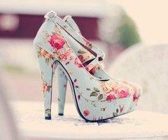 Floral print heels <3