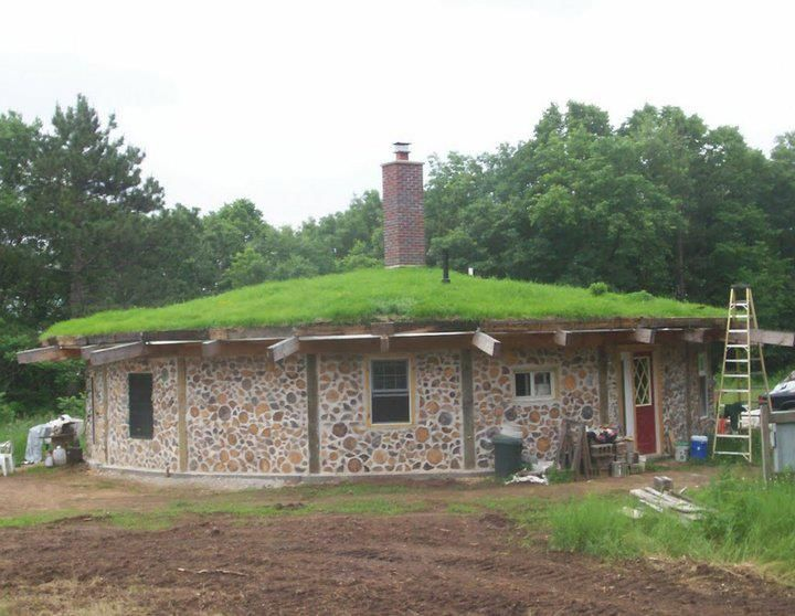 Hexadecagon cordwood home in Eau Claire, WI USA | Natural ...