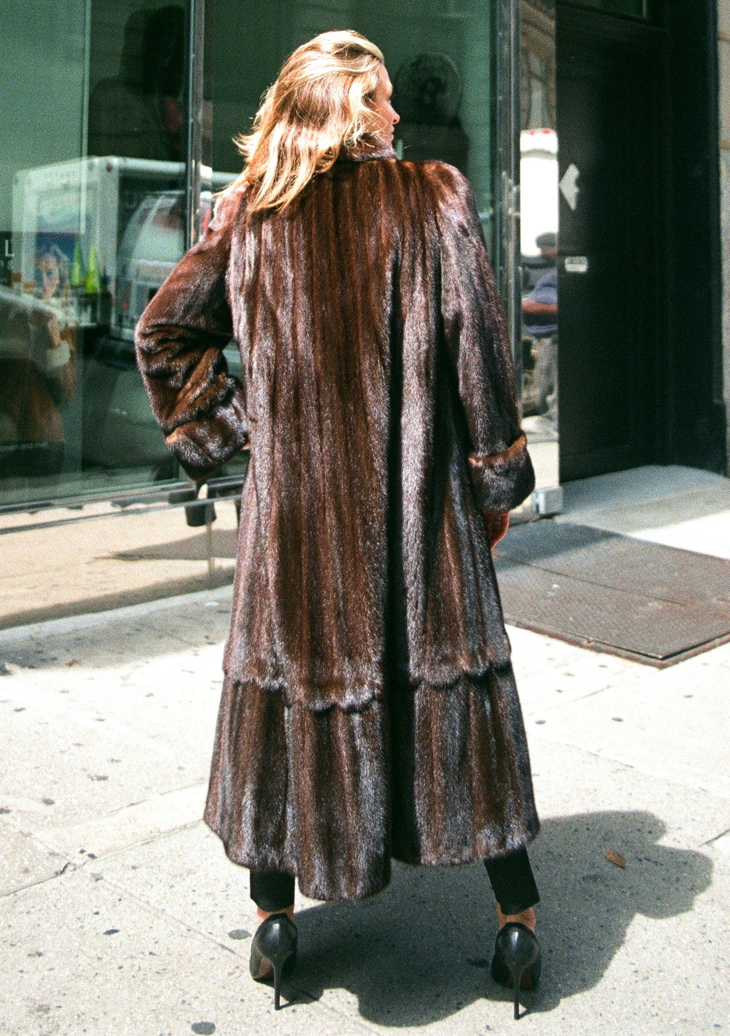 3 4 Fur Coats New York Nyc Furriers Fur Rentals