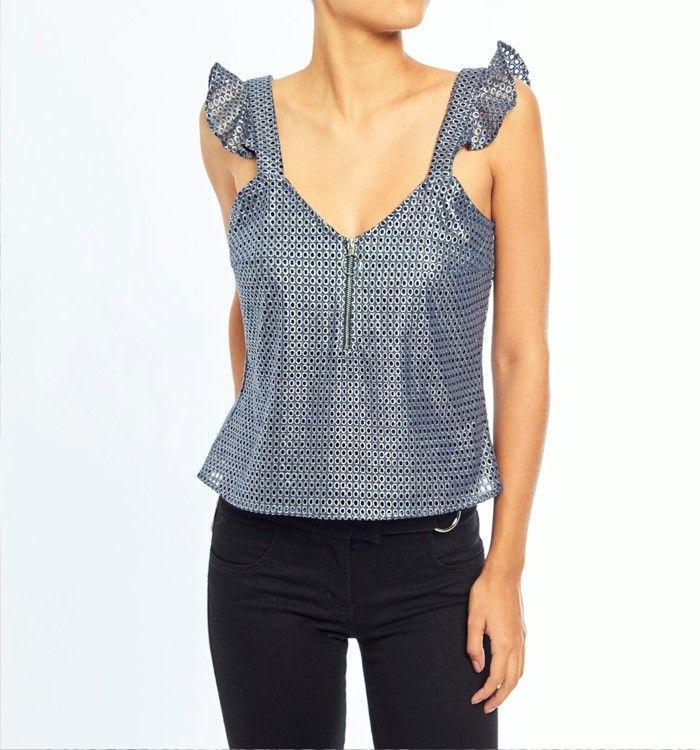 01a4d17f9190 Blusa de tiras con bolero y cierre en escote | BLUSAS | Ropa de moda ...