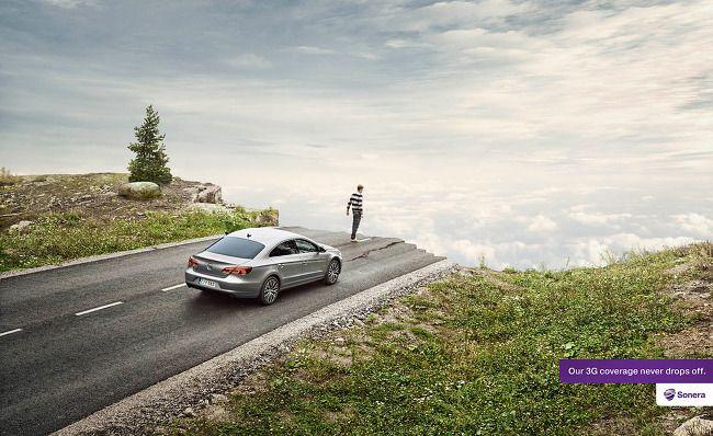 """핀란드 이동통신업체 """"Sonera"""" 의 재미있는 광고^^ 끊김없는 3G 통신을 강조하기 위해 도로가 끝나는 상황을 연출한 모습입니다. 우리나라의 경우에는 끊김을 넘어서 속도를 강조하는데, 역시 우리나라는 IT인프라? 강국인가 봅니다~"""