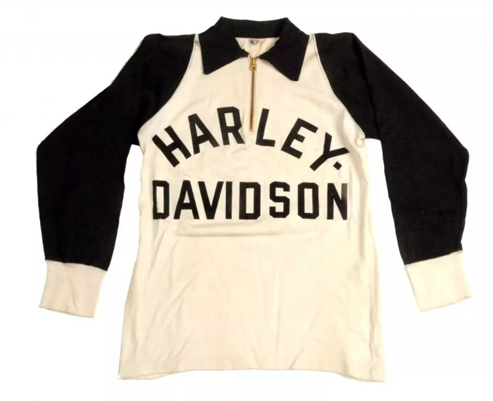 Some nice examples of vintage motorcycle racing sweaters from a recent  auction. 8d3f56987