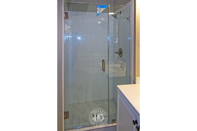 This Glass Shower Door Has Inline Shower Frameless Shower Doors