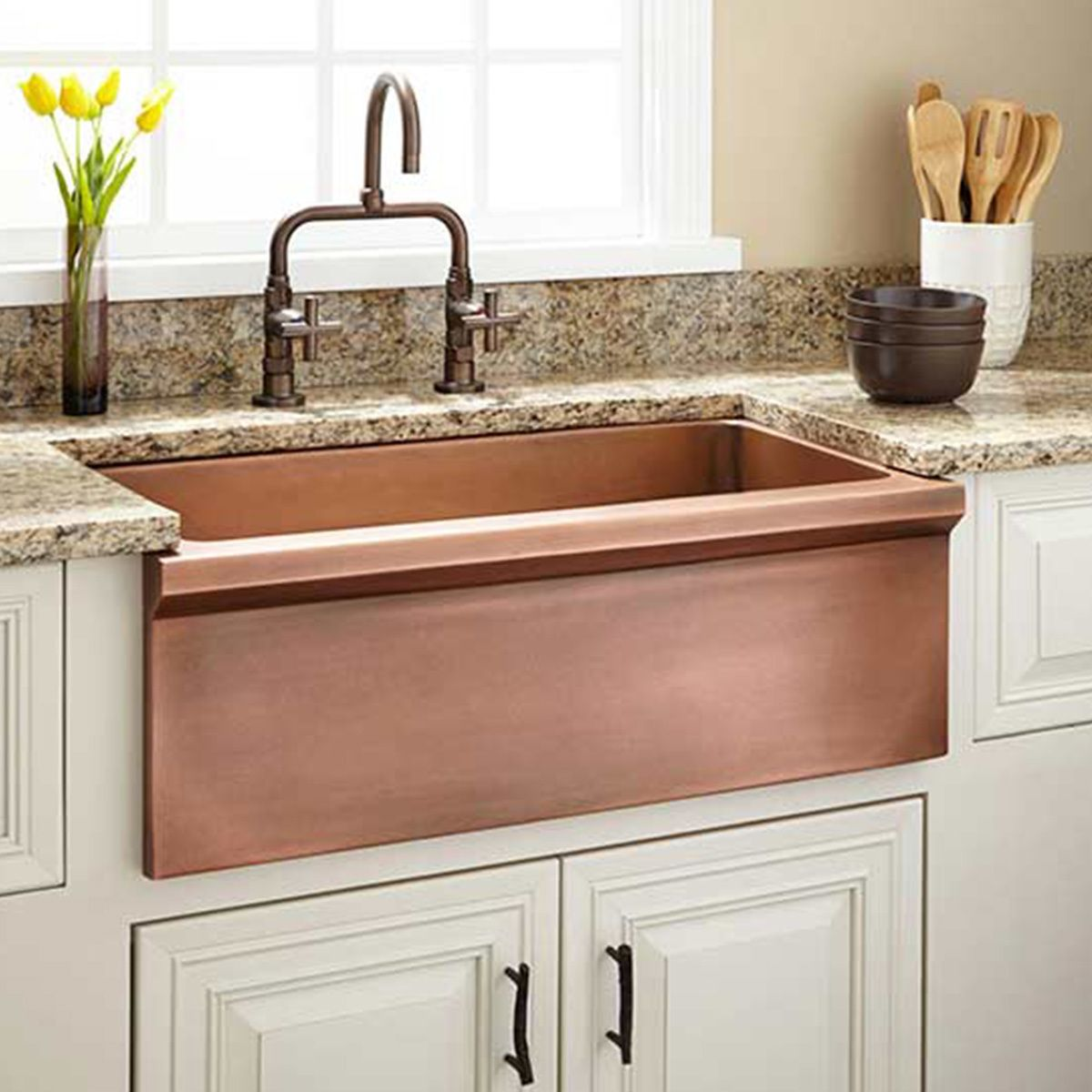Fall in Love with These Farmhouse Kitchen Sinks! (We Did