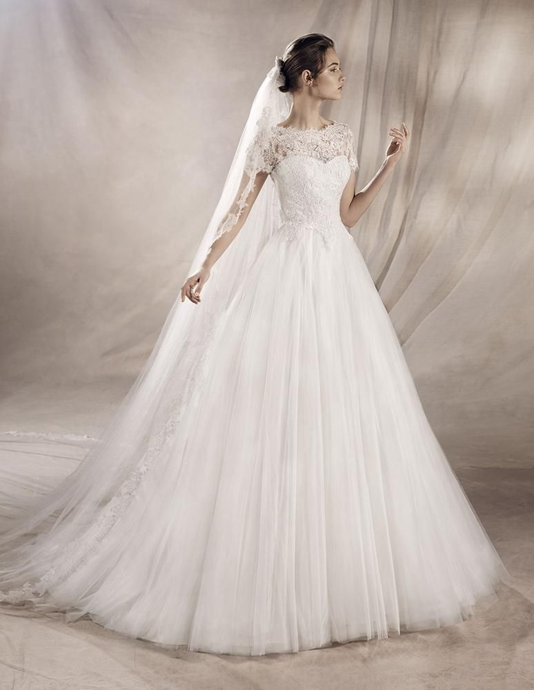 White One Bridal Gown Style - Yaser   Fall Beauty   Pinterest ...
