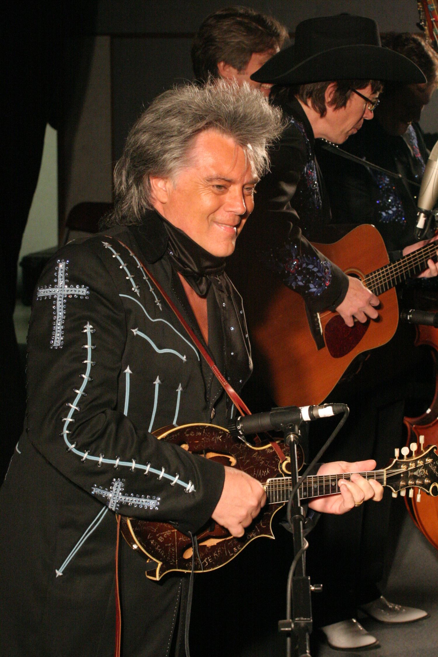 PIN-Country Music Legend Randy Travis Performs Classic