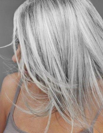 Tendance couleur les cheveux gris pinteres - Couleur cheveux gris ...