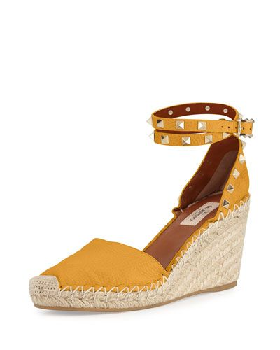 e01c5fecd18 Can t get enough espadrilles!!! X2WUV Valentino Rockstud Leather ...