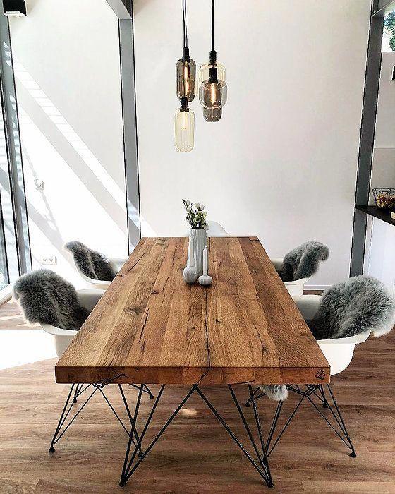 Massivholztisch nach Maß aus Eichenholz-Altholz | Esstisch rustikal massiv nach Maß | Holzwerk-Hamburg #rusticInterior