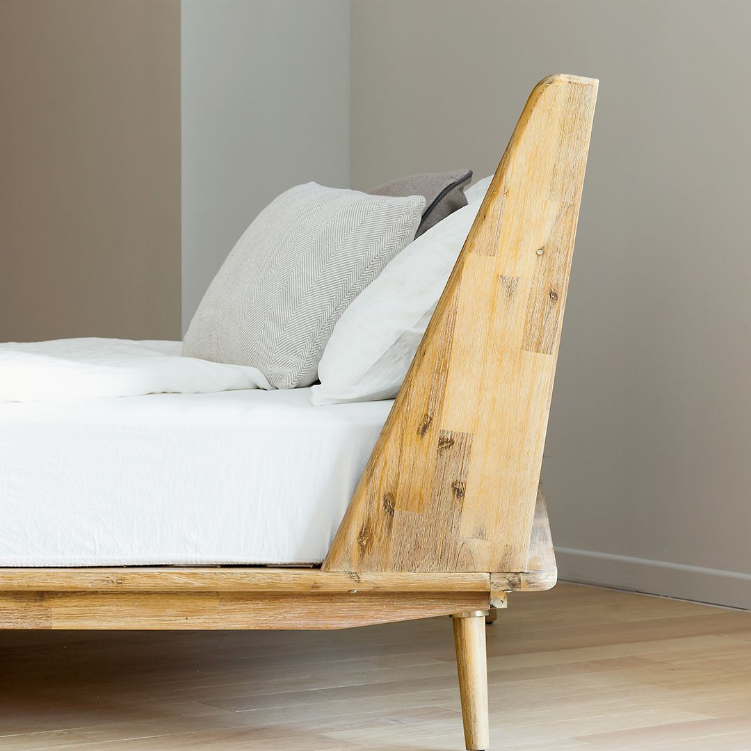 Spot Bed Close Up In 2020 Castlery Bed Hug You