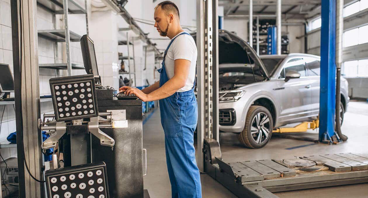 ما هو تخصص الهندسة الميكانيكية وأهميتها في مجال العمل Automotive Automobile Mechanic